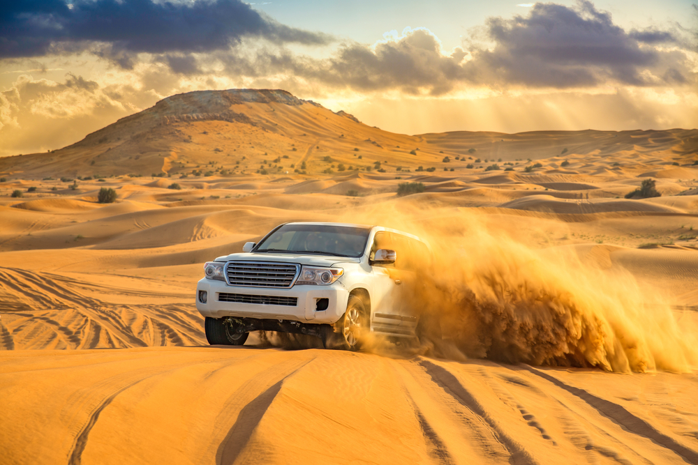 WHY DESERT SAFARI IS CONSIDERED TO BE THE BEST VISITING PLACE IN DUBAI?